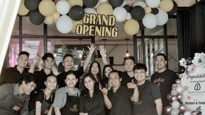 Kedai yang berlokasi di Jalan Arjuna Raya Nomor 187 Semarang Tengah Kota Semarang menyuguhkan ragam mix minuman berbahan kopi pilihan Nusantara.