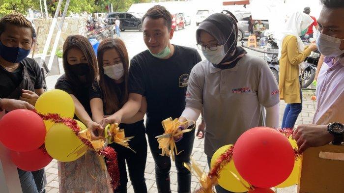 Setelah sukses memiliki usaha kuliner di Bali, Nasi Kulit Cumi-Cumi Ohio membuka cabang di Kota Semarang dan meresmikan Bakso Kuah Taichan Ohio pertamanya.