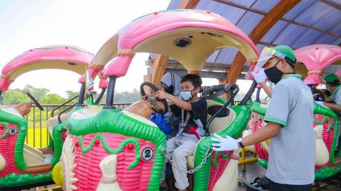 """Sesi 2 perhelatan acara sosial """"Saloka Berbagi Ceria"""" kembalidigelar di Saloka Theme Park bersama seribu anak yatim Kabupaten Semarang."""