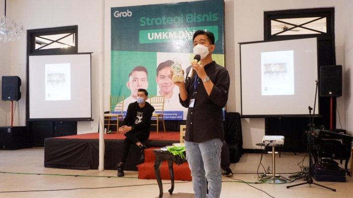 Grab, aplikasi serba bisa terkemuka di Asia Tenggara mendukung digitalisasi UMKM di Kota Solo dengan menggelar Webinar 'Strategi Bisnis UMKM Digital'.