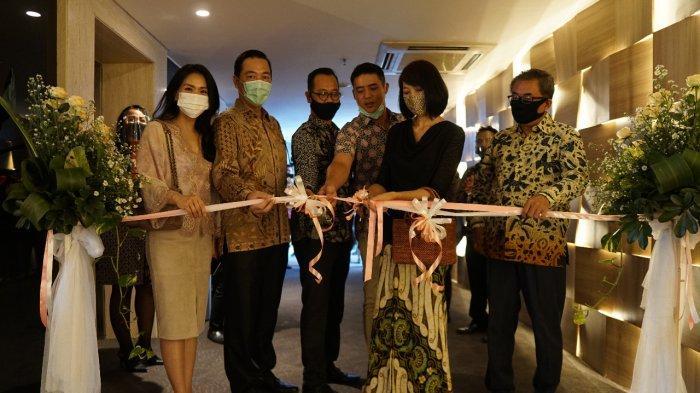 Tasyakuran hari ulang tahun ke-7 @Hom Hotel Simpang Lima Semarang digelar sederhana tidak ada hingar binger lampu sorot dan pergelaran musik.