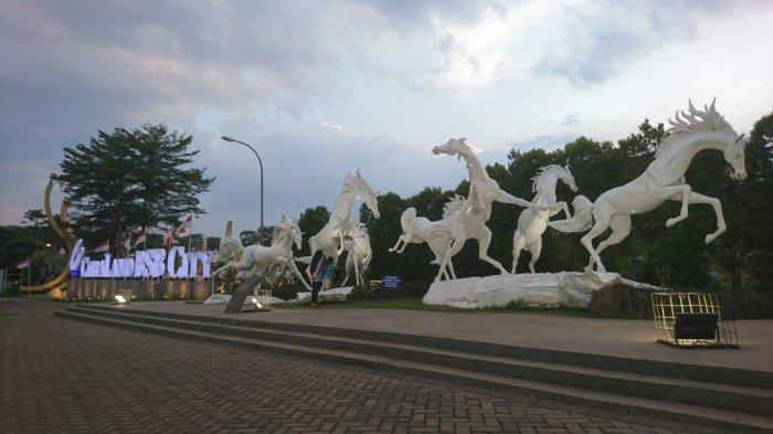 Patung Kuda BSB Jadi Alternatif Wisata Murah Meriah Warga Mijen dan Ngaliyan