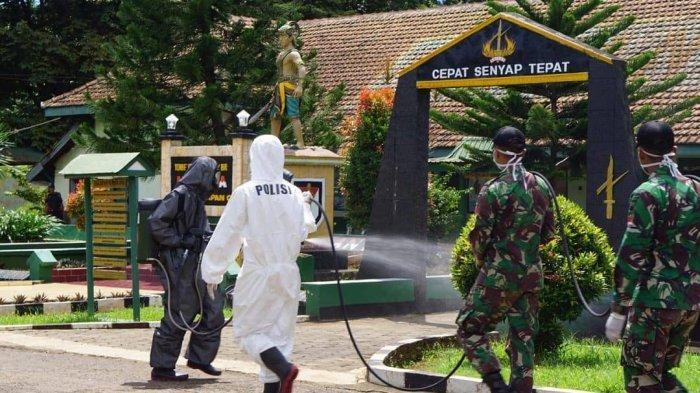 Cegah Corona, Polda Jateng Serentak Semprotkan Disinfektan ke Seluruh Wilayah