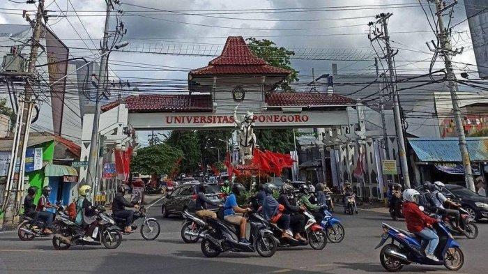Patung Pangeran Diponegoro sebagai bagian ikon Universitas Diponegoro (Undip). Namun patung ini lebih akrab dengan sebutan Patung Kuda.
