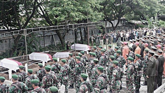 Empat Jenazah TNI Akibat Kecelakaan Heli MI-17 HA-5138 di Makamkan di TMPN Giri Tunggal Semarang