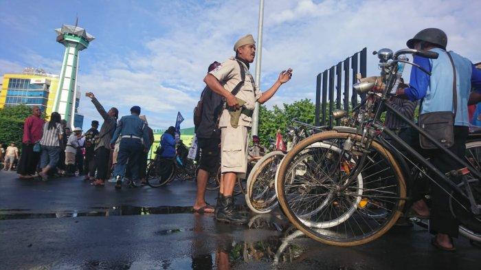 CFD Simpang Lima Jadi Ajang Kumpul Sepeda Ontel