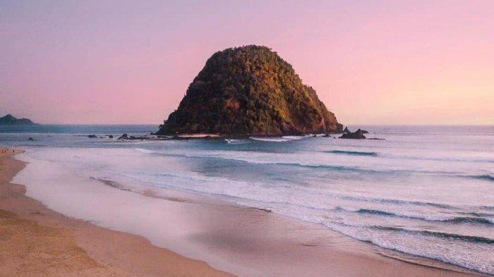 Pulau Merah Banyuwangi (@iverp)