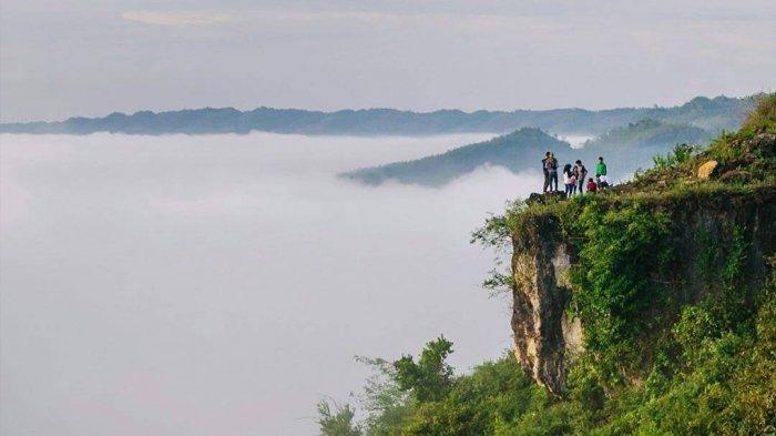 7 Tempat Wisata di Jogja dengan Pemandangan Bak Negeri di Atas Awan