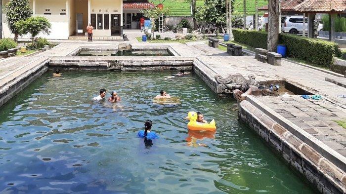 Kolam Air Hangat Alami Jadi Daya Tarik di Candi Umbul Magelang