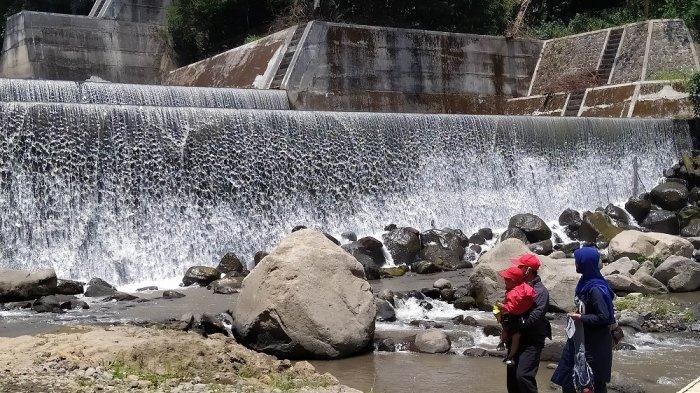 Grojogan Kapuhan, Dam yang Jadi Tempat WIsata Hits di Magelang