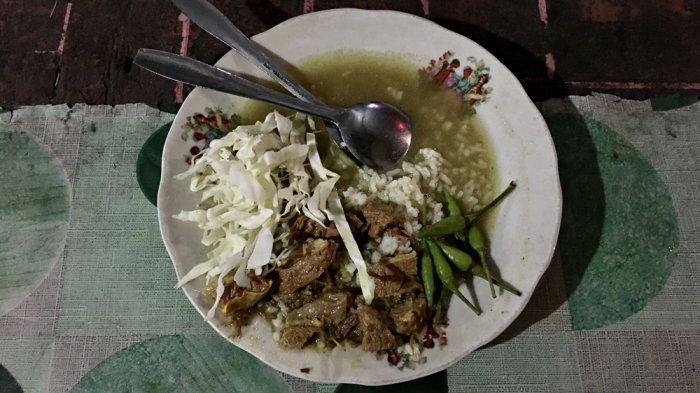 Lapar Usai Berfoto di Tugu Jogja, Langsung Saja ke Gulai Sapi Pak Samin
