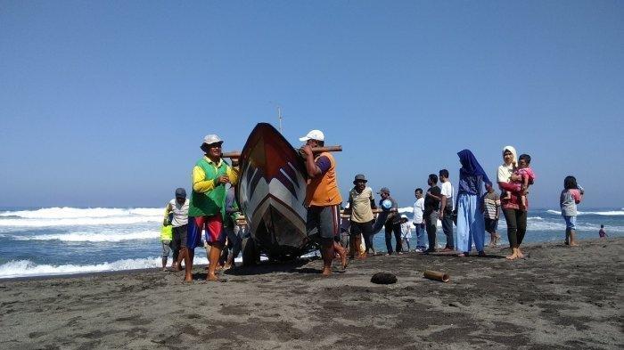 Pantai Depok Akan Dilengkapi Ruang Pertemuan Standar Hotel Berbintang