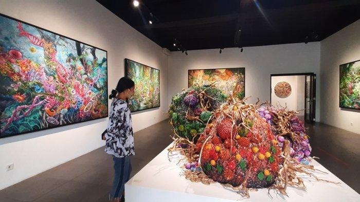 Karya-karya Galih yang ditampilkan dalam pameran bertajuk The Wanderlust.