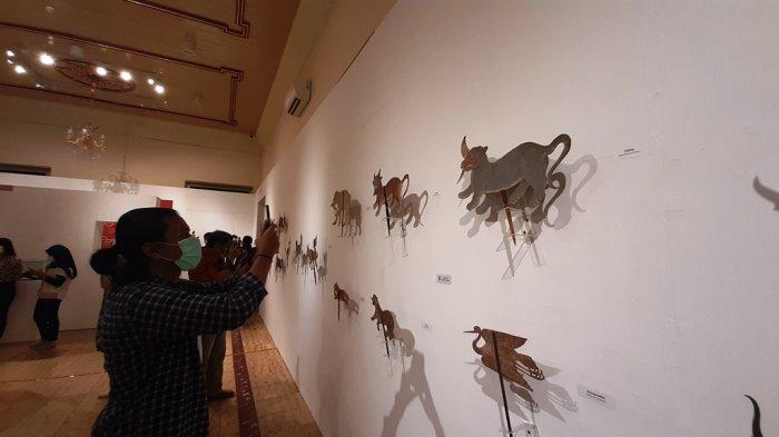 """Pameran Temporer """"Harmoni Cina-Jawa dalam Seni Pertunjukan"""" di Museum Sonobudoyo."""