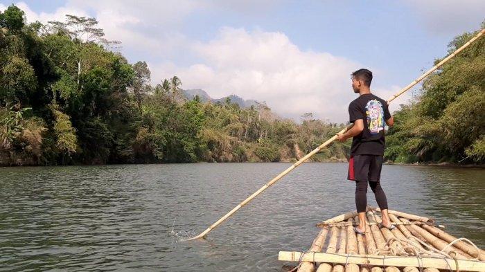 Wisata Unik di Magelang, Menikmati Indahnya Sungai Progo dengan Getek
