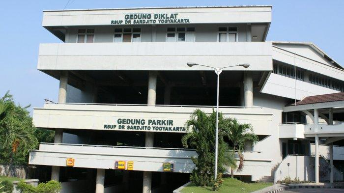 Gedung diklat dan parkir kendaraan RSUP Dr Sardjito Yogyakarta.