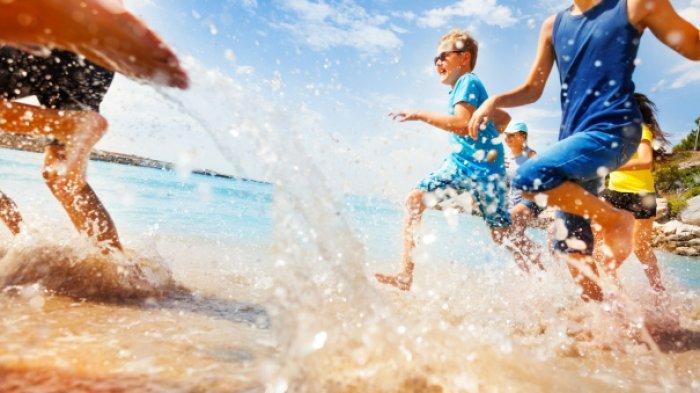 7 Tips Berwisata ke Pantai Bersama Anak, Jangan Lengah!