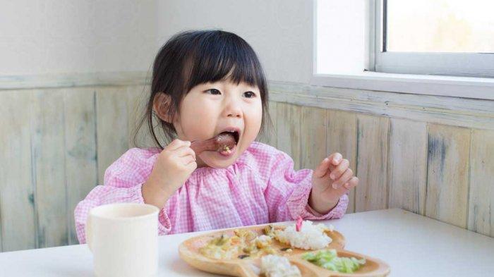 Anak Enggan Makan Nasi, Apakah Orangtua Harus Khawatir?
