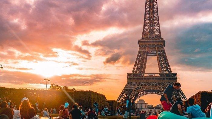 Eiffel tower di Paris, Perancis