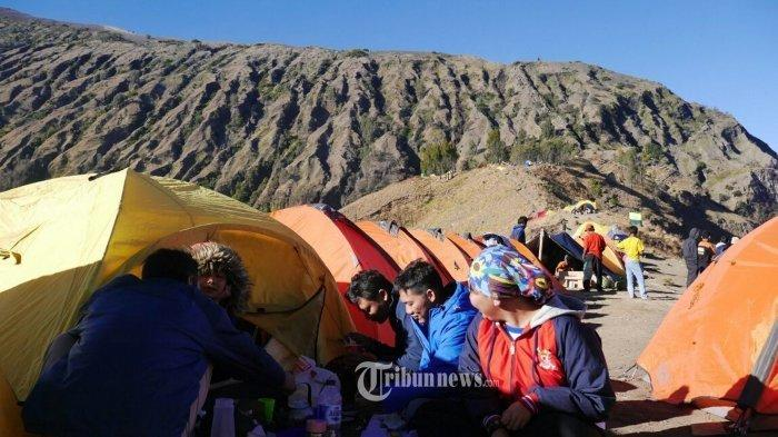 Ilustrasi, ketika hari libur, gunung-gunung favorit seperti Prau dan Andong di Jawa Tengah hampir pasti dipadati para pendaki.
