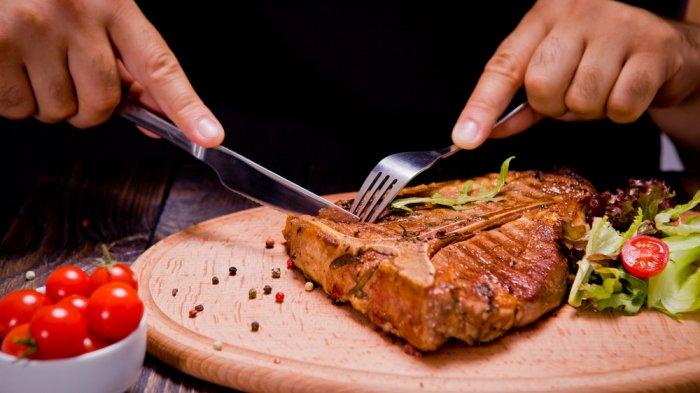 Sering Sakit Kepala Setelah Makan Daging? Kenali Penyebabnya