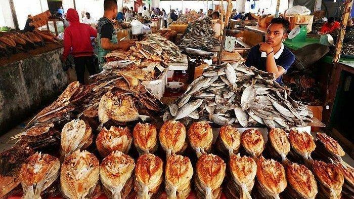 Banyak pilihan tempat makan enak di Labuan Bajo yang bisa kamu pilih untuk mengisi perut yang kosong.