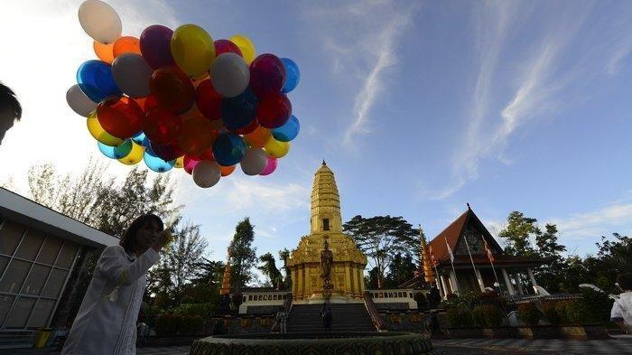 Mirip Objek Wisata Thailand, Rumah Ibadah Mahavihara Balikpapan, Bisa Jadi Objek Foto Keren