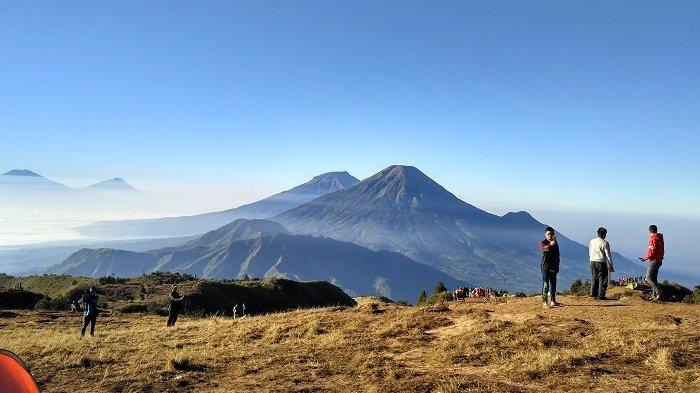 8 Gunung di Indonesia yang Tutup Sementara Jalur Pendakian