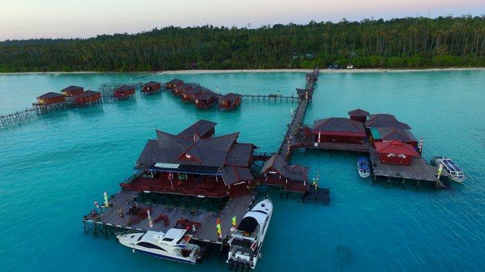 Menjadi tempat menginap idaman banyak orang, rekomendasi 5 Hotel terapung paling indah di dunia
