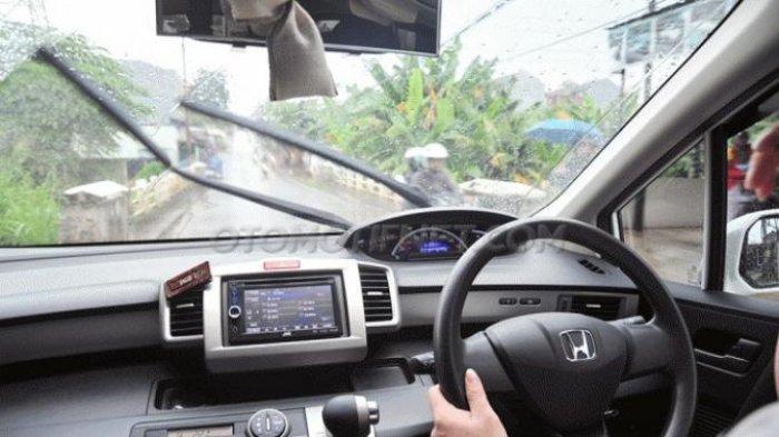 Musim Hujan, Perhatikan Kondisi Wiper Mobil, Tambahkan Sampo atau Sabun Cuci Piring Agar Awet