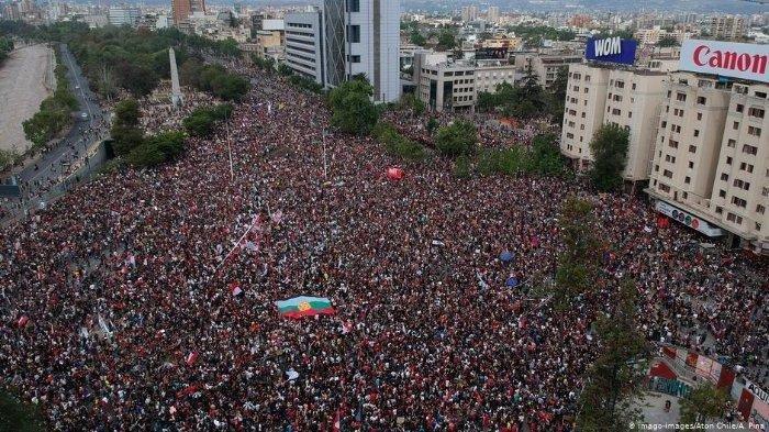 Sejuta Orang Lakukan Unjuk Rasa di Chile Tuntut Reformasi Ekonomi, Sekitar 7 Ribu Orang Ditangkap