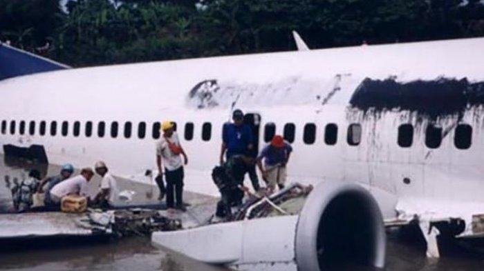18 Tahun Lalu, Pesawat Garuda Menembus Badai Es dan Mendarat di Bengawan Solo