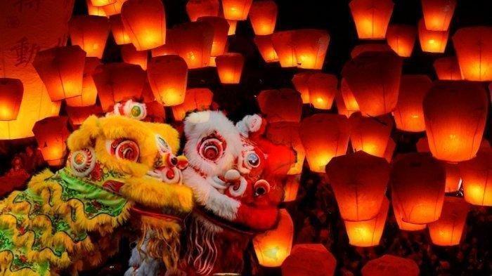 Lmapion simbol pengharapan bahwa di tahun yang akan datang diwarnai dnegan keberuntungan, rezeki dan kebahagiaan.