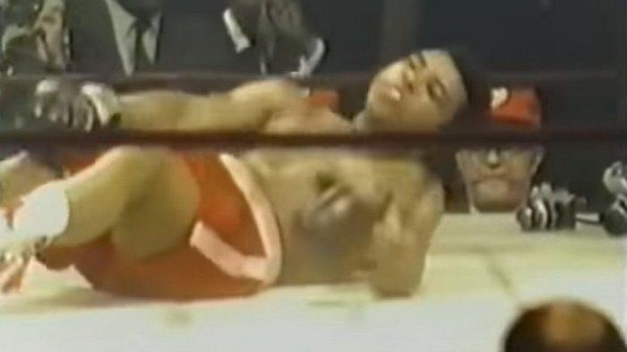 8 Maret, 49 Tahun Lalu, Muhammad Ali Roboh, Babak Belur Dihajar Joe Frazier