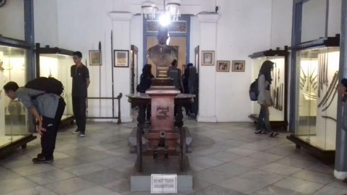 Radya Pustaka di Kota Solo, Museum Tertua di Indonesia