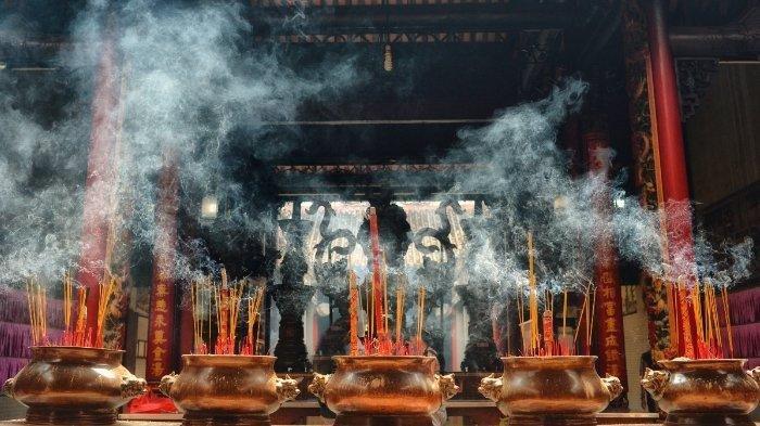 Makna di Balik Sembahyang Arwah Leluhur Tahun Baru Imlek dalam Budaya Tionghoa