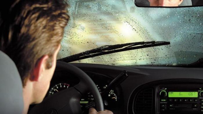 Musim Hujan, Perhatikan Kualitas Wiper Mobil, Tambahkan Sampo atau Sabun Cuci Piring Agar Awet