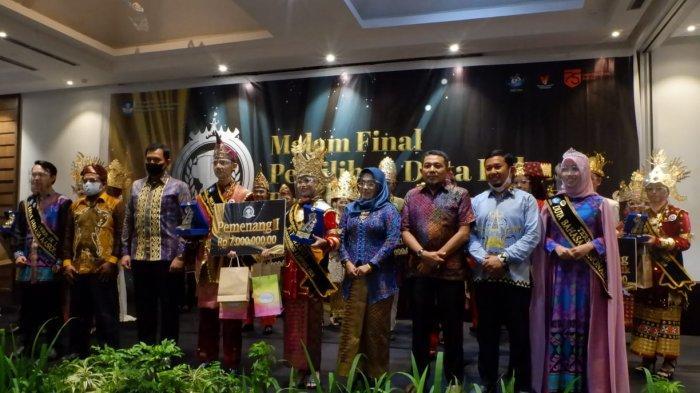 Potret Duta Bahasa Provinsi Lampung 2020 Amanda Rizka Putri saat malam final.