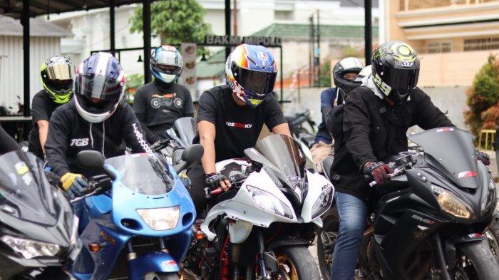 Potret kegiatan komunitas motor Lampung Team Good Boy.
