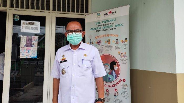 Potret kepala UPTD PPA Provinsi Lampung Amsir di kantornya, Rabu, 30 Desember 2020.