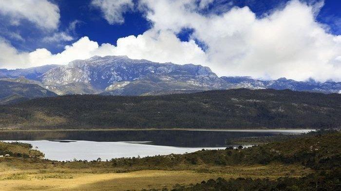 Menilik Indahnya Danau Habema, Terletak di Taman Nasional Lorentz Papua dan Tertinggi di Indonesia