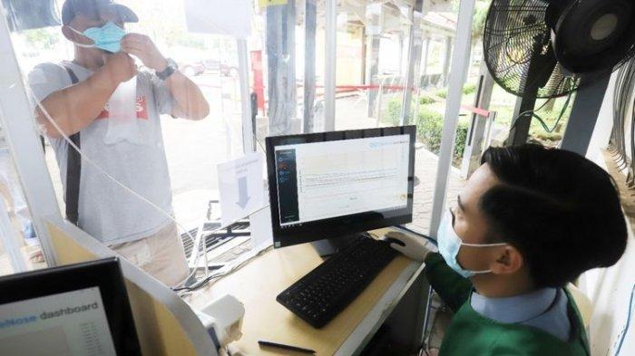 Pemeriksaan GeNose di salah satu dari 12 stasiun KA yang saat ini sudah melayani fasilitas tersebut.