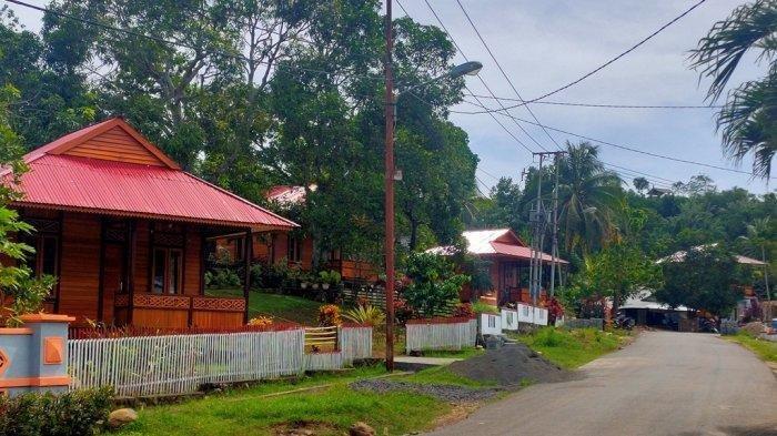 Home stay di Desa Marinsow.