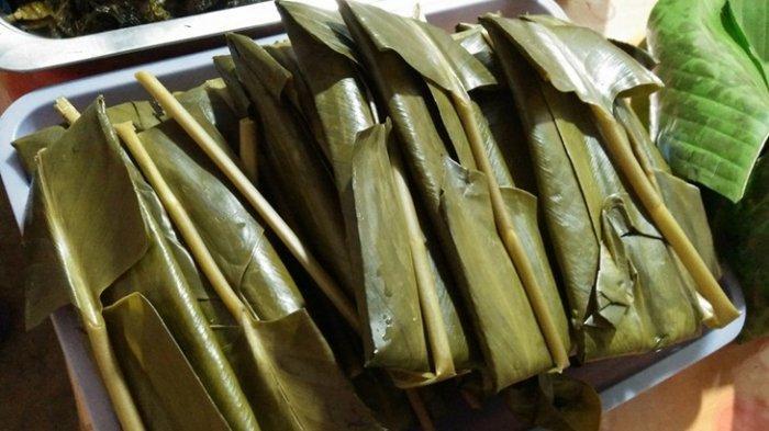 Nasi bungkus khas Tomohon, Sulawesi Utara