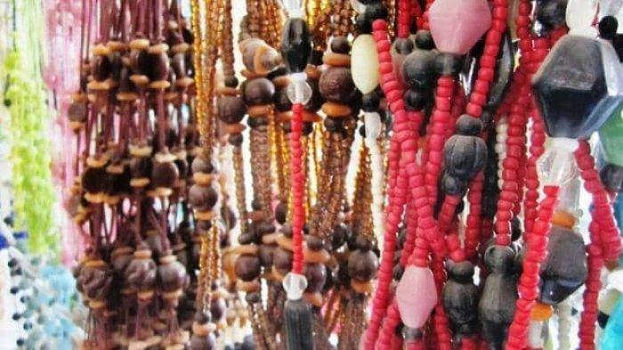 Pernak-pernik khas Kota Manado