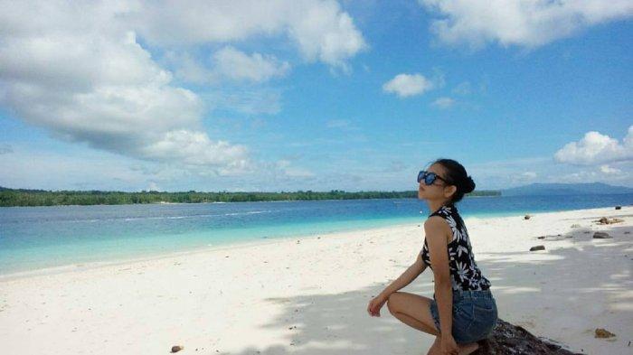 Pulau Sara di ujung Pulau Sulawesi merupakan salah satu objek wisata pantai yang sangat menawan dan romantis. Pulau ini terletak di Kepulauan Talaud, Provinsi Sulawesi Utara