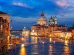 kanal-pusat-kota-venesia.jpg