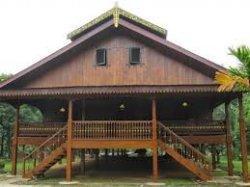 rumah adat walewangko