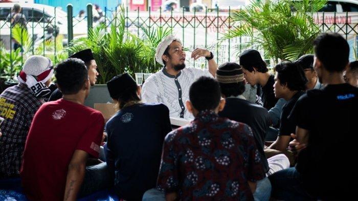 Tasawuf Underground, Komunitas yang Rangkul Anak Punk Ini Antarkan Acil Hijrah Tanpa Paksaan