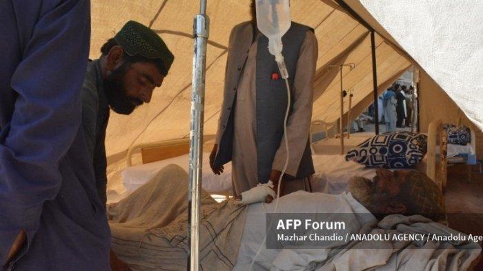 Sedikitnya 20 orang tewas setelah gempa berkekuatan 5,9 melanda Pakistan. (Mazhar Chandio/ANADOLU AGENCY/AFP Forum)